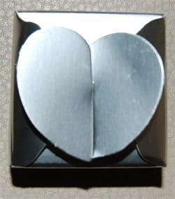 עטיפת מתנות ליום הולדת | קופסא בצורת לב