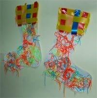 יצירה לחורף - הכנת גרביים צבעוניים