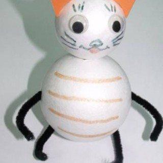 יצירה לילדים – חתול מכדורי קלקר
