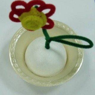 יצירה לילדים - פרח העשוי ממנקי מקטורות